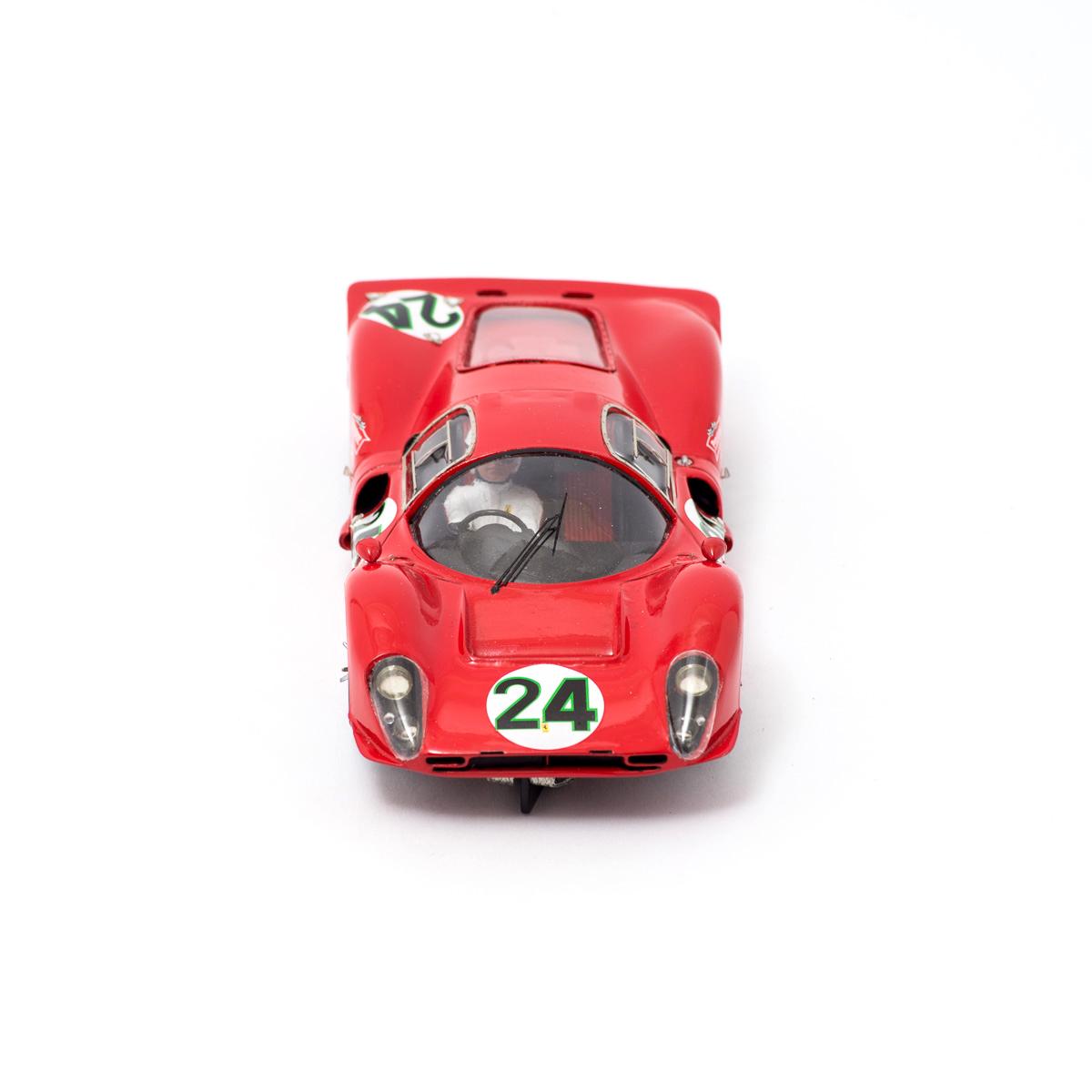 Slot Car Ferrari 330 P4 Coupè #24 Scarfiotti/Parkers 1:24